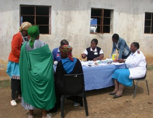 Nurses meet with community women